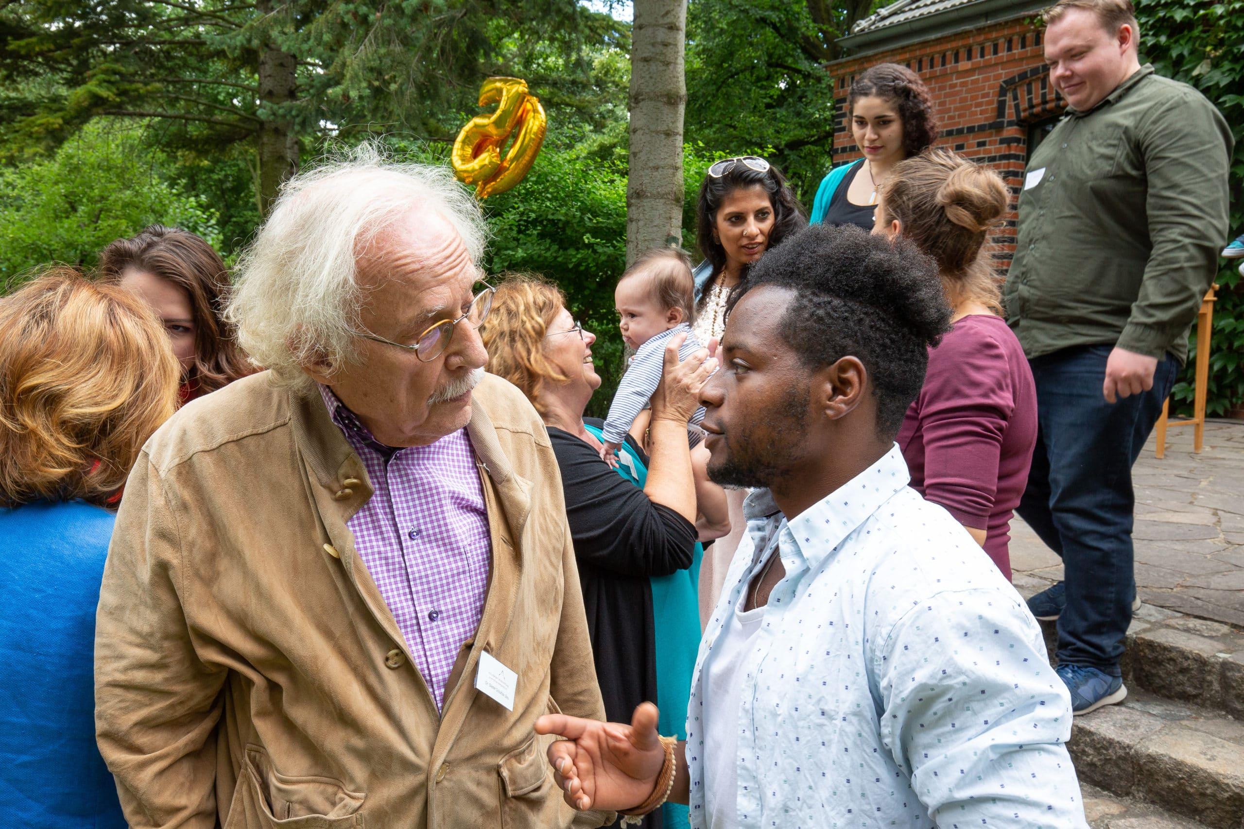 Ikaros-Stipendiat mit Dr. Dieter Schultze-Zeu