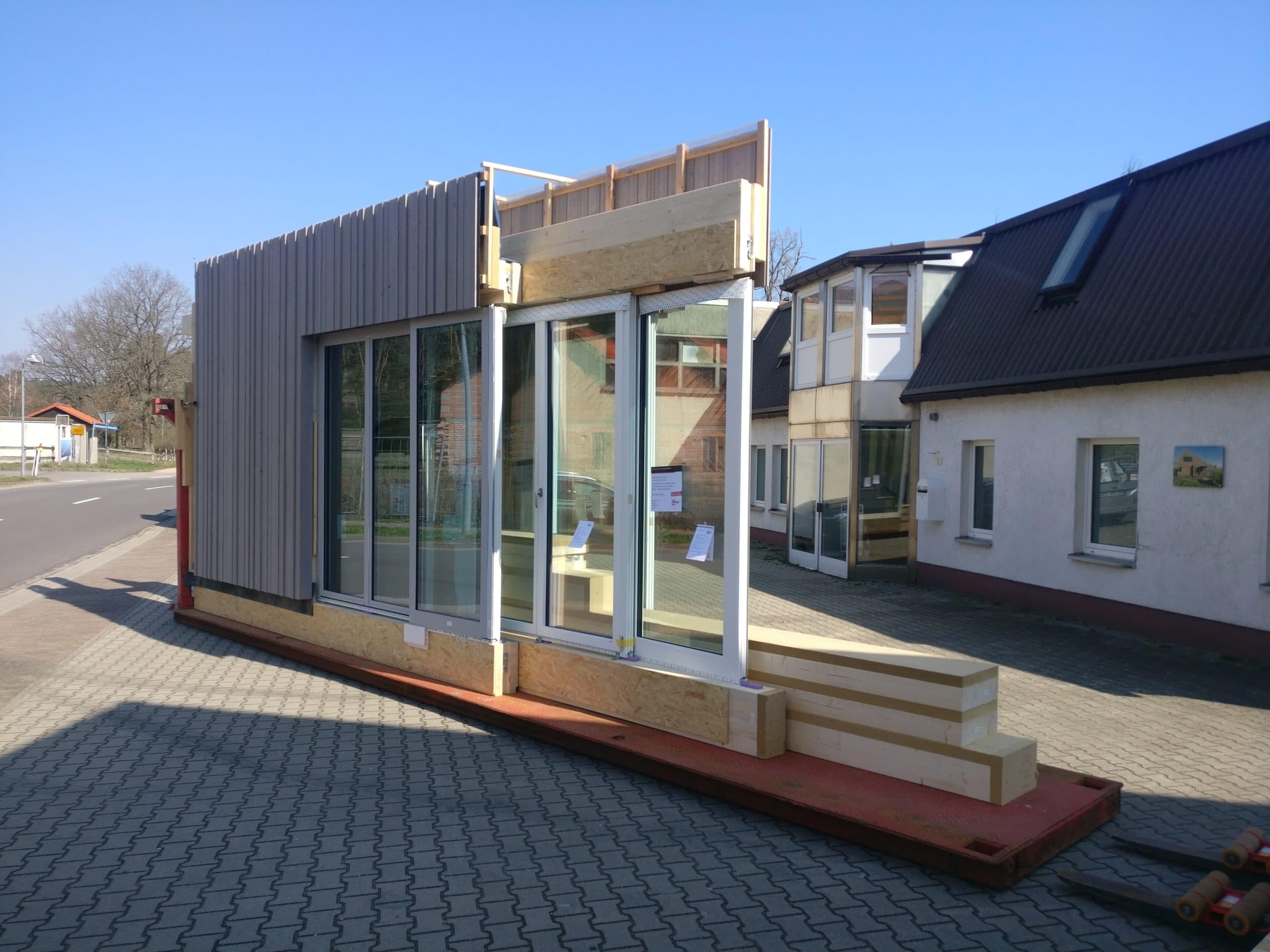 Kreuzberger Kinderstiftung Neubau Fassadenelement mit Fenster